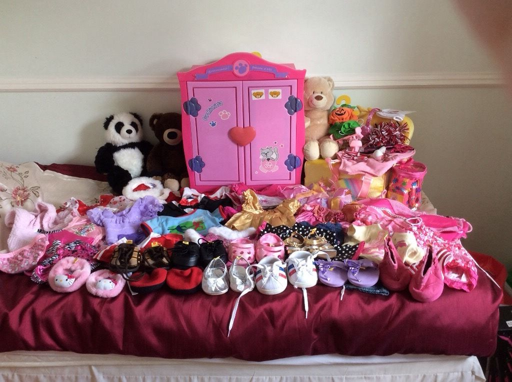 Build a Bear outfits, shoes,wardrobe, bed and bears