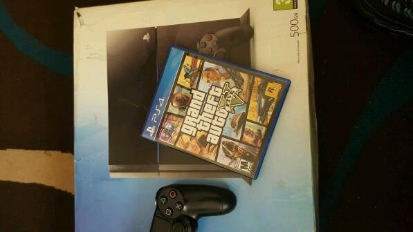 Ps4 boxed with 6 games