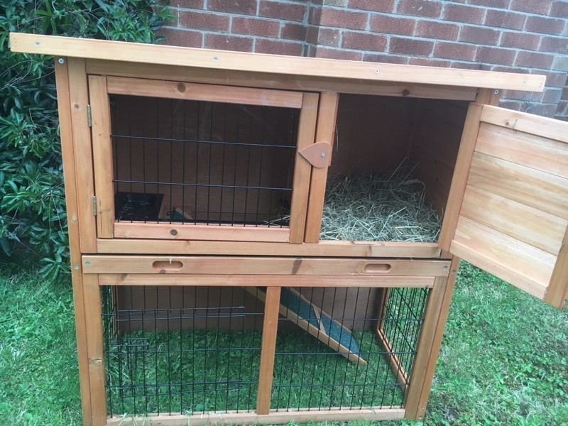 Rabbit hutch and waterproof cover