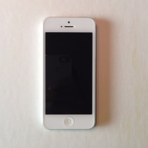 **BRAND NEW** iPhone 5 16GB White - Replacement from Apple Store -
