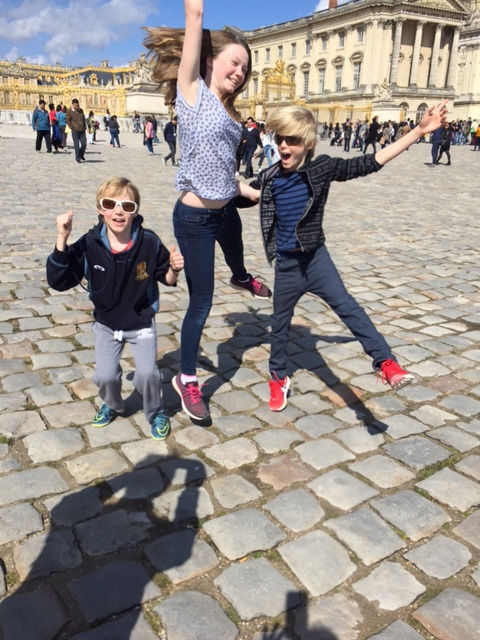 PART TIME LIVE OUT NANNY Tooting/Balham, 3 children, 4 days pw, driver, fluent English, a.m and p.m