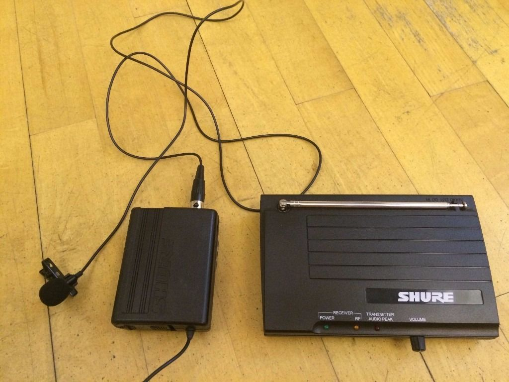 SHURE WIRELESS CLIP-ON MICROPHONE AND RECEIVER