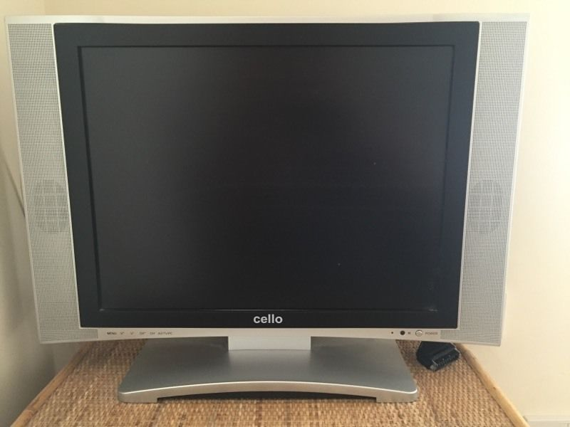 TV with built in DVD in good working order comes with remote control