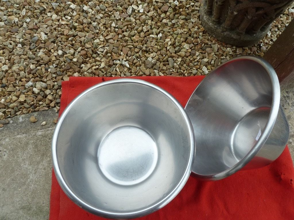 Stainless steel high quality mixing bowls 14 litres
