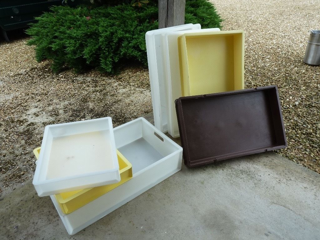 Plastic Storage trays - bakery - catering - pizza dough - cakes/sandwiches - transport car boot
