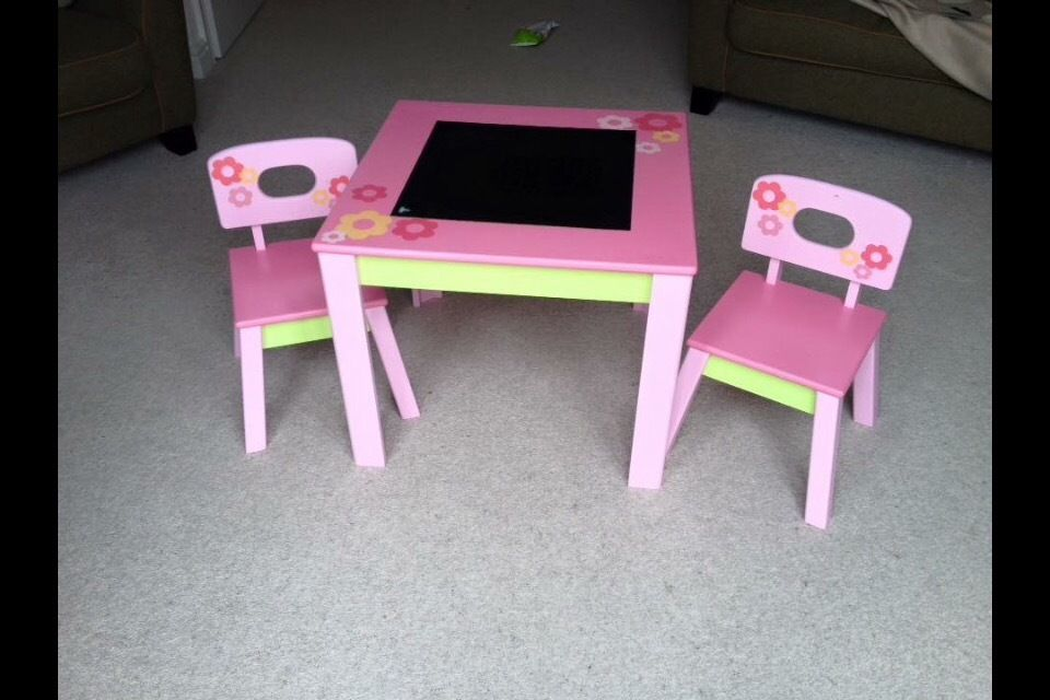Children's kids table and chairs