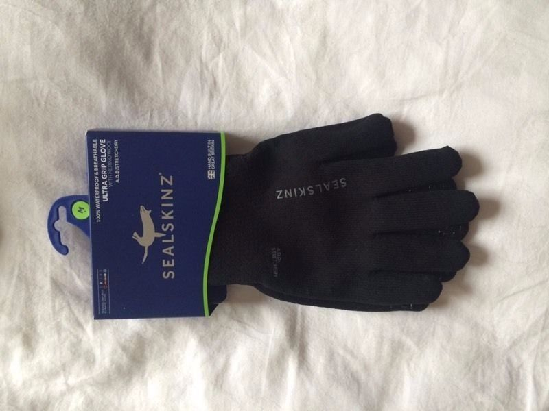 Sealskinz 100% waterproof gloves