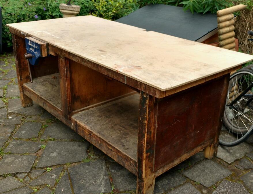Work bench with built in woodworking vice