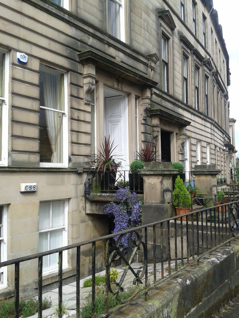 Double Room, West End of Glasgow, Sharing Flat with 1 Female