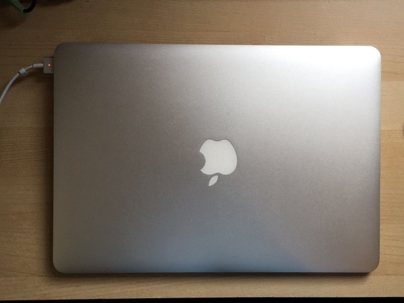 """Apple Macbook Air 13"""" A1466 Good Condition but no hard disk no charger"""
