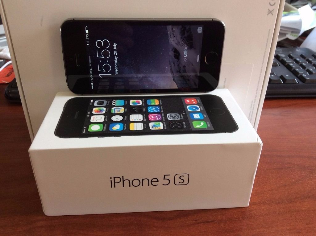 Apple iPhone 5S 16GB Space Grey - Fully Working - Good Condition - Original box & unused earphones