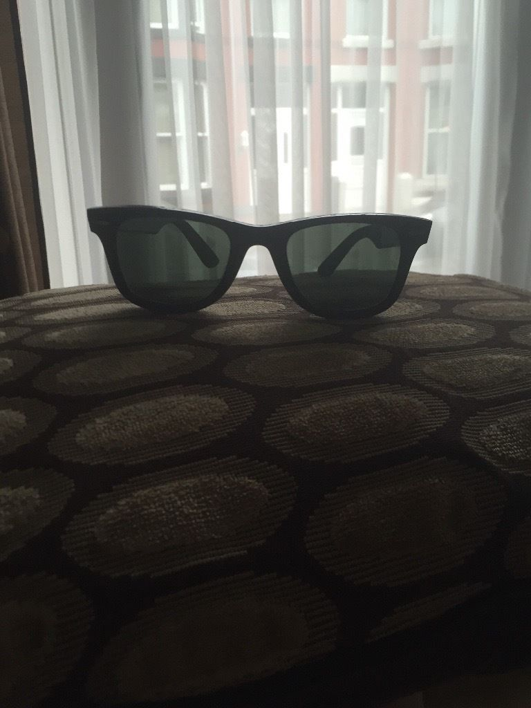 Women's rayban wayfarers. perfect condition. With case etc... Bought 1 year ago, barely worn