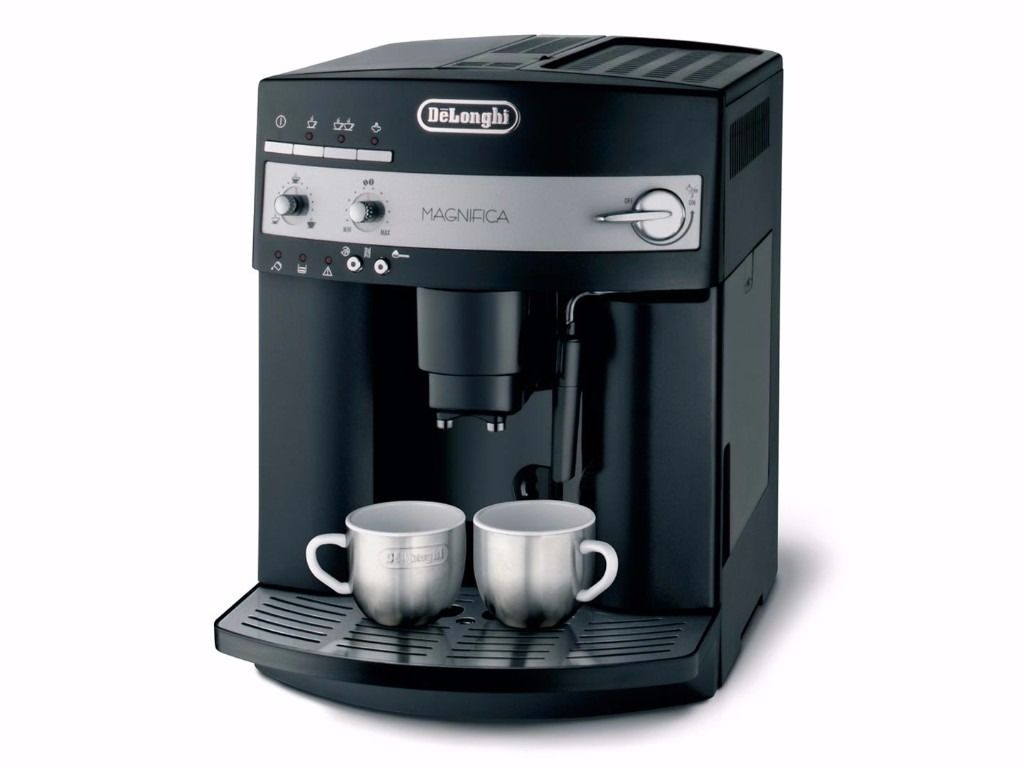 DeLonghi ESAM3000.B Magnifica Bean-to-Cup Coffee Machine Black