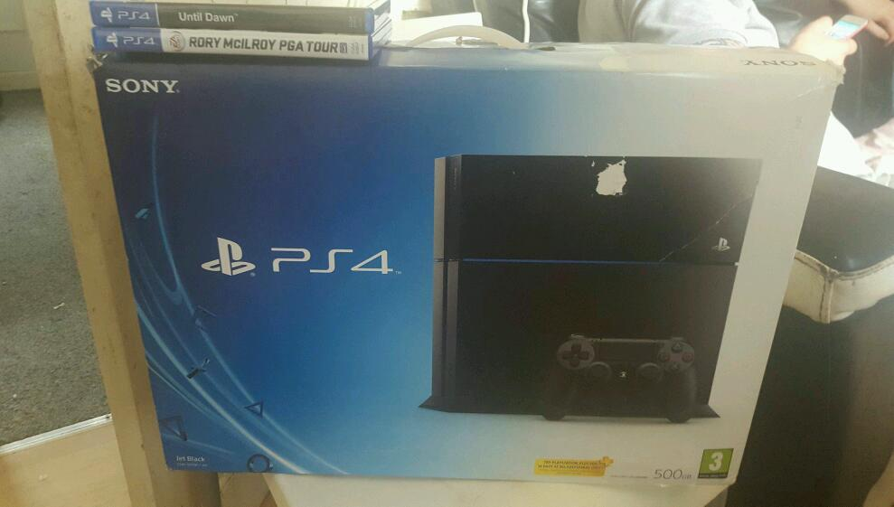 Playstation 4 500gb, boxed with controller & games.