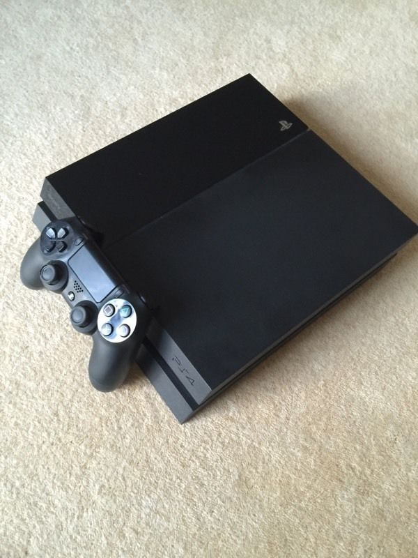 PlayStation 4 PS4 Excellent Condition