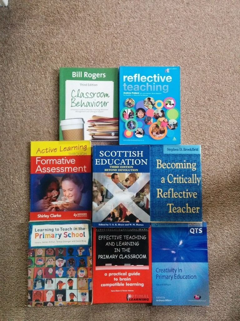 Collection of university books for (primary) education students