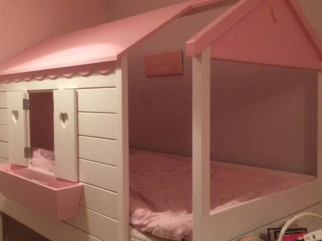 Beautiful girls house style single cabin bed