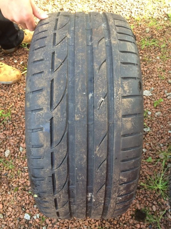 2 Bridgestone Tyres & 2 Hankook Tyres, Nearly New