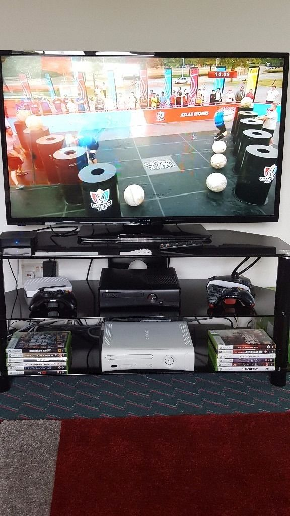 Tv, tv stand, xbox 360, 12 games, 2 controlers, kodi android box