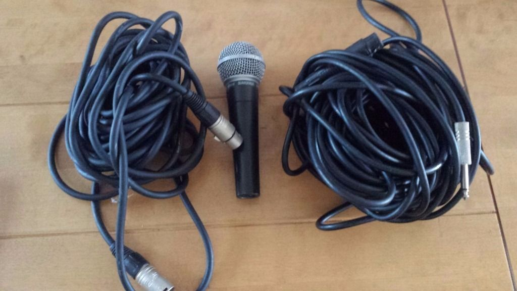 Shure 58 mic with leads