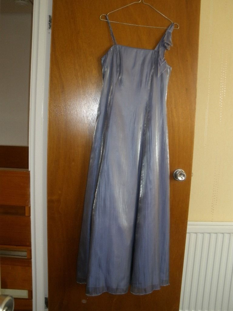 Bridesmaid/Prom dress with matching wrap. Debut size 10. Lilac