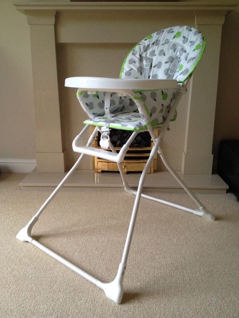 High chair (light weight, pristine condition)
