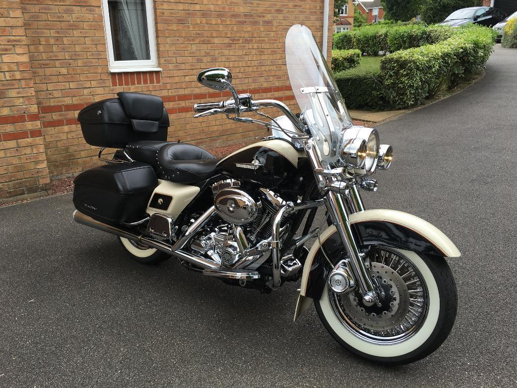 Harley Davidson FLHRSI Road King Custom - one of a kind!