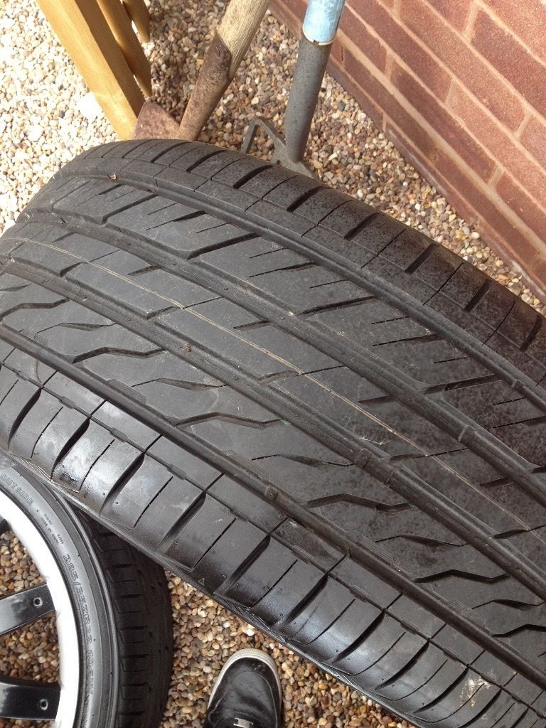 """22"""" OVERFINCH WHEELS! Fits rangerover/ discovery3. BARGIN! NEW TYRES!"""