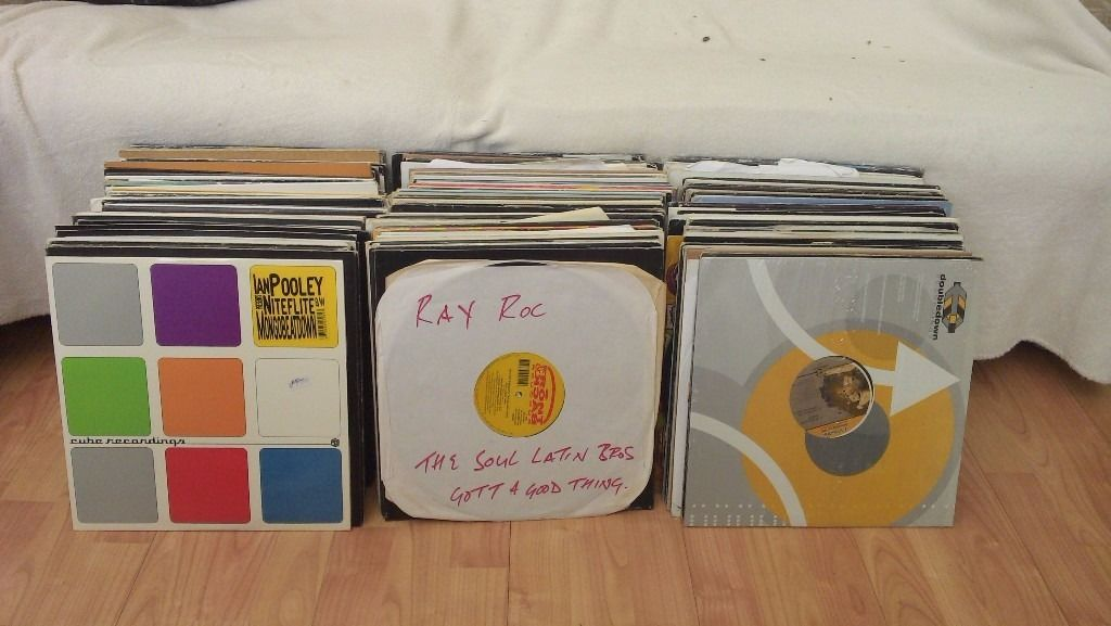 COLLECTION OF 250 HOUSE/DANCE VINYL RECORDS WHITE LABELS/PROMOS EXCELLENT CONDITION