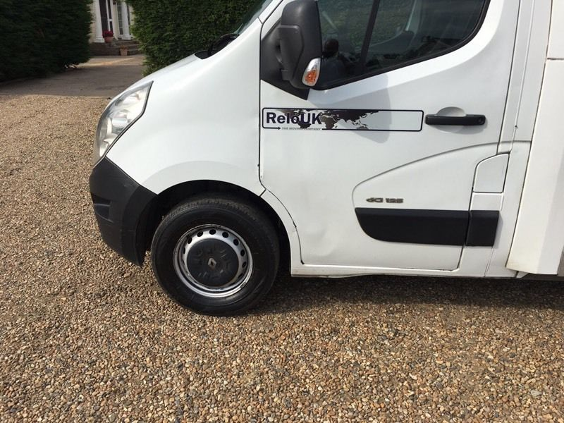 Renault master Luton low loader 2011