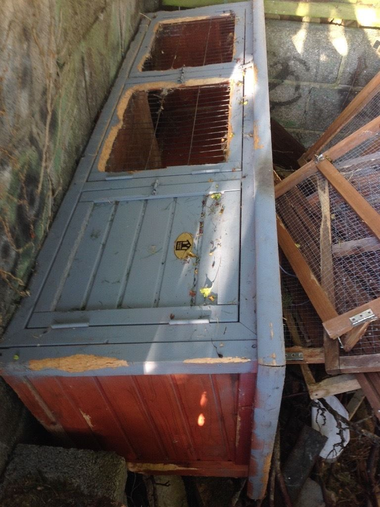 Free rabbit cage and folding lawn cage