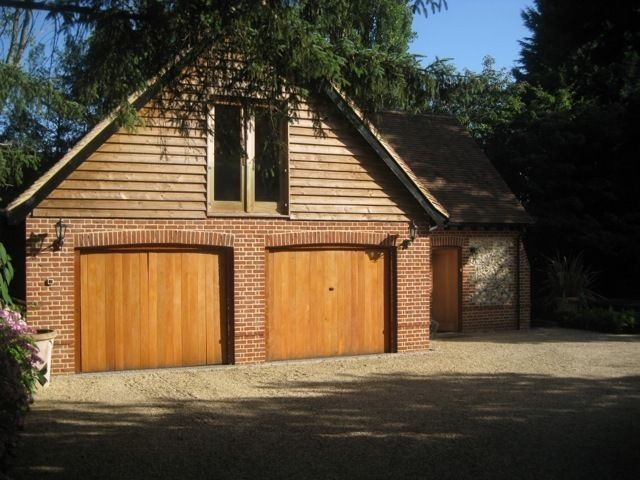 EXPERIENCED HOUSEKEEPER - HENLEY-ON-THAMES/READING (Superb Accommodation) COUPLES CONSIDERED!