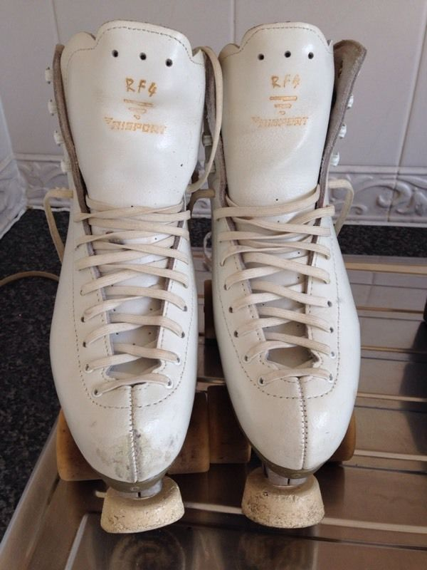 Roller skates approx ladies size 3/4
