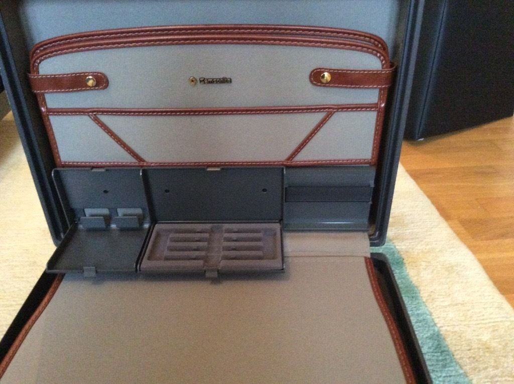 Samsonite Large Brief Case.