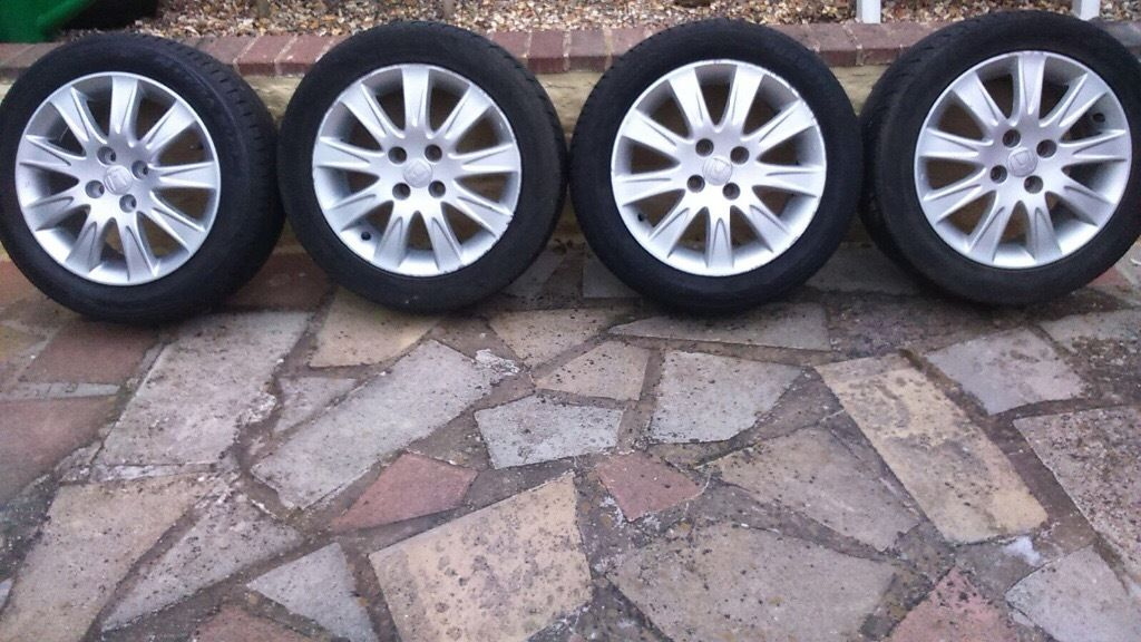4 Honda jazz 15 inch alloy wheels with tyres