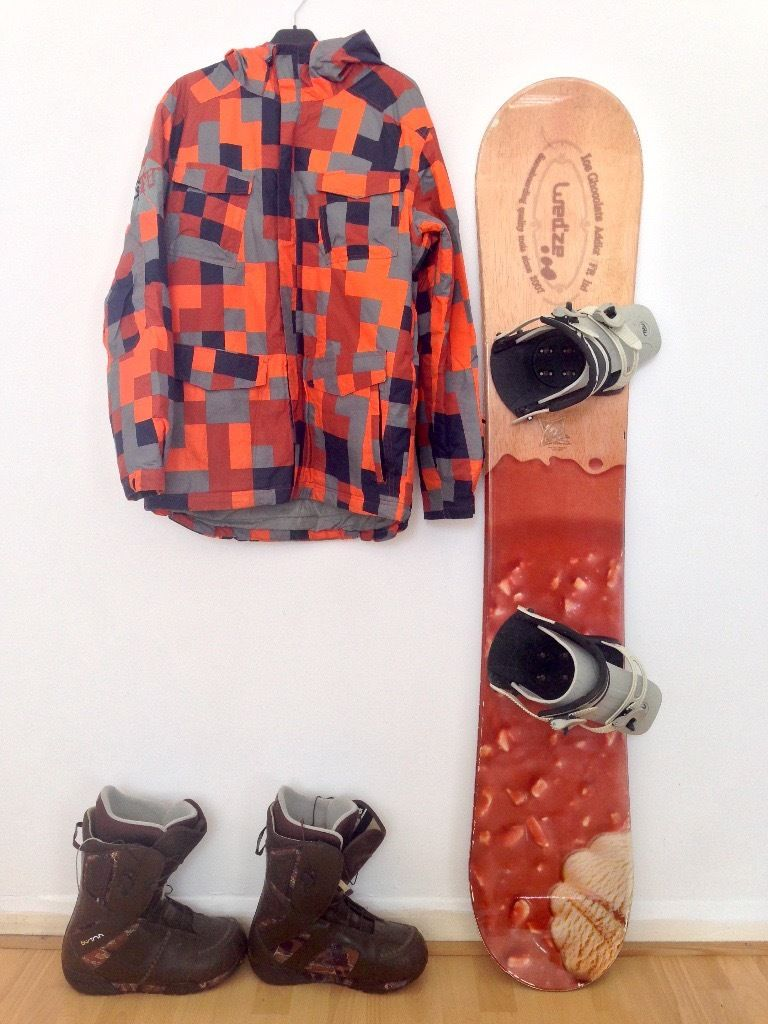 160cm Snowboard Complete Setup w/ Burton boots, Helmet, Jacket,Pants and gloves
