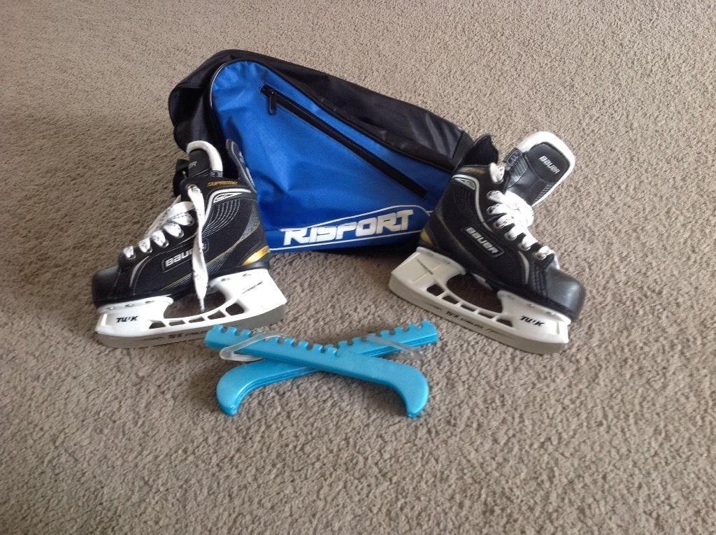 Bauer junior size 11 Ice Skates