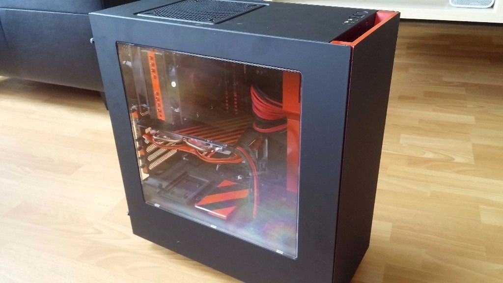 GAMING PC 8 CORE 250GB SSD 1TB 24GB RAM ATI HD7850 plus keyboard and mouse