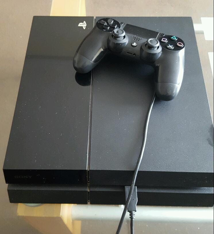 Ps4 black 500 gb