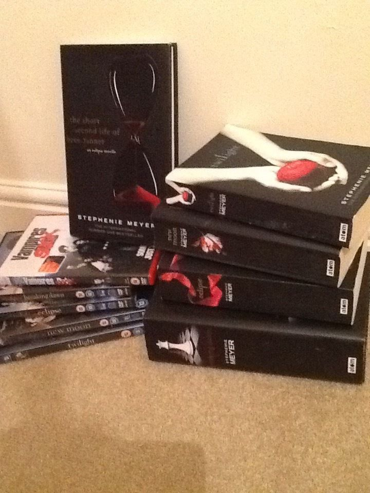 Complete twilight saga novels, 4 twilight films, and 1 parody film. Varying condition.
