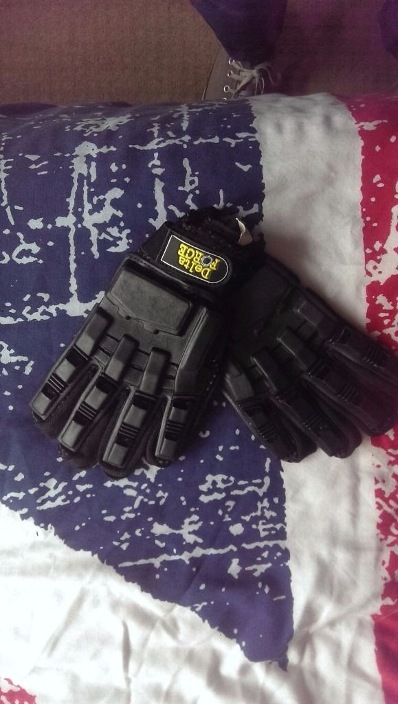Delta force gloves