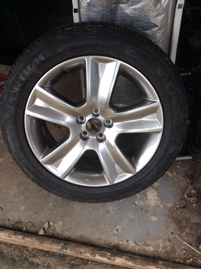 Brand new tyre 215/55ZR17 on a Subaru alloy wheel both mint never used verdestein guigurio tyre