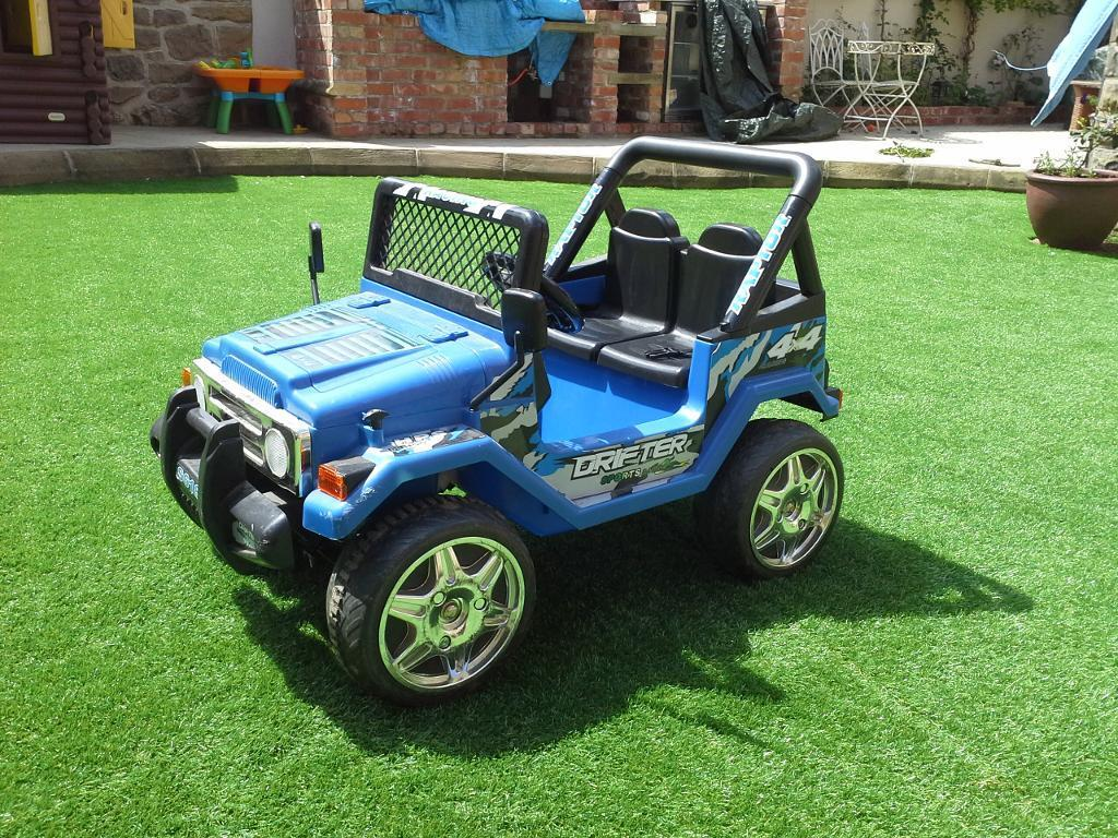 blue ride-on 4x4 jeep in working condition BARGAIN