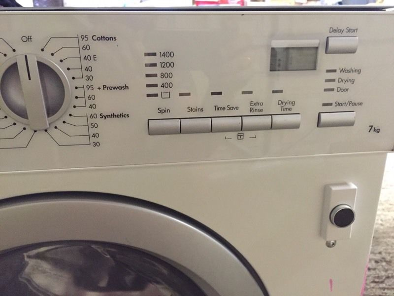 AEG washing machine and tumble dryer integrated 7kg