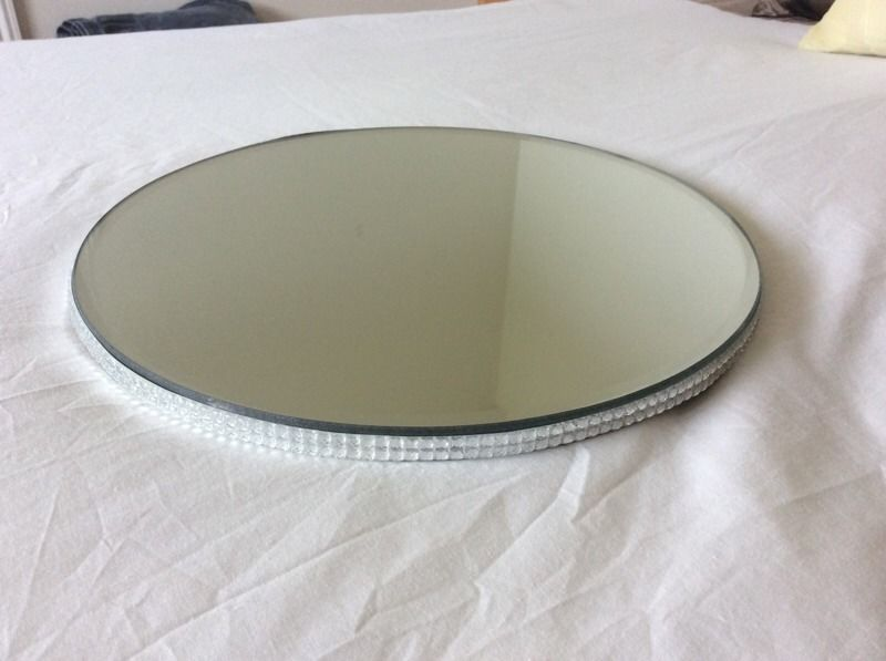 8 x glass mirrors with diamante edge. Wedding centre pieces