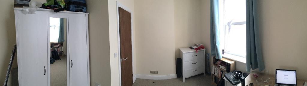 Small double room with own bathroom. Available from October.