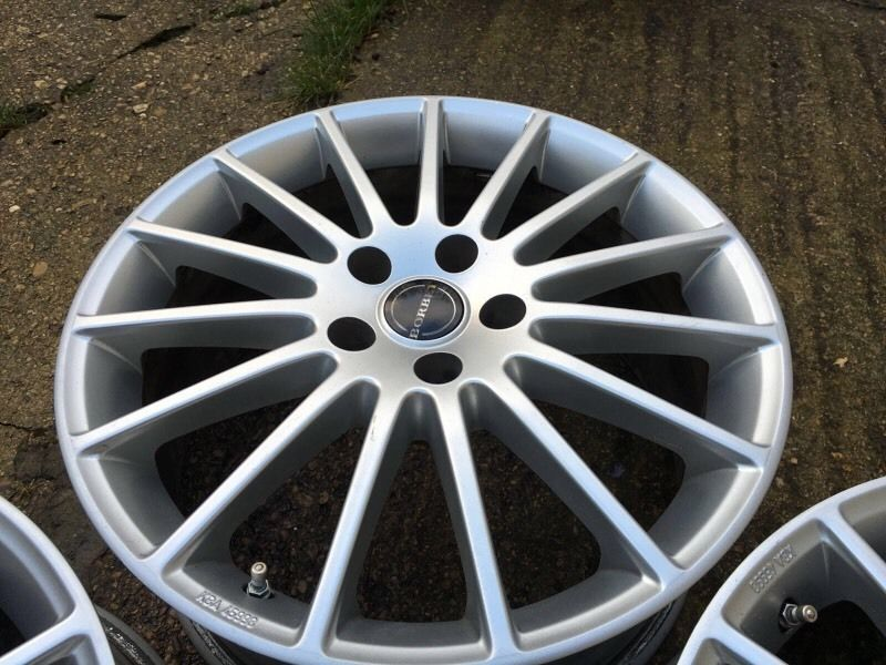 Genuine German borbet alloy wheels in mint condition 5x112