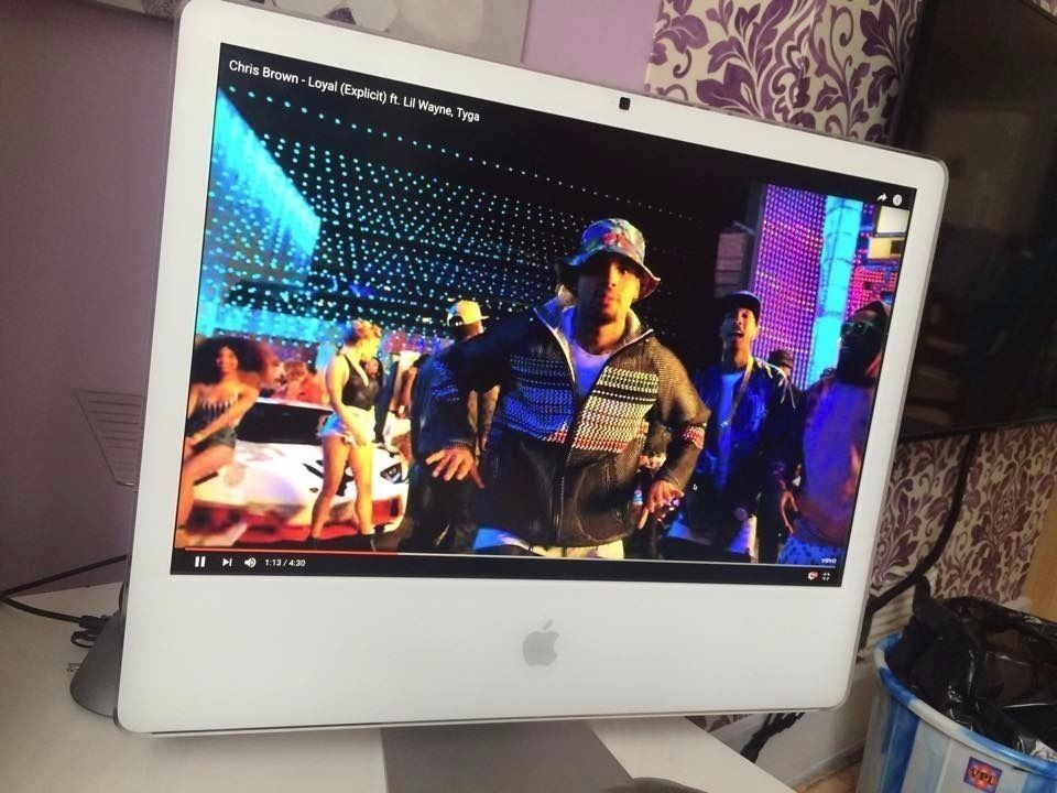 Apple iMac 24inch - FULL HD display Needs Rebotong