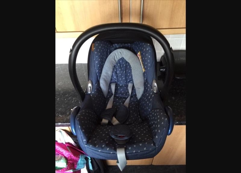 MaxiCosi Cabrio Fix Car Seat
