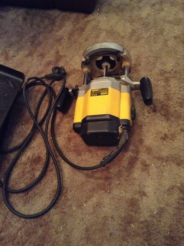 DEWALT INDUSTRIAL ROUTER